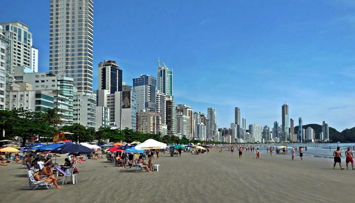 Conheça as 9 melhores praias de Balneário Camboriú