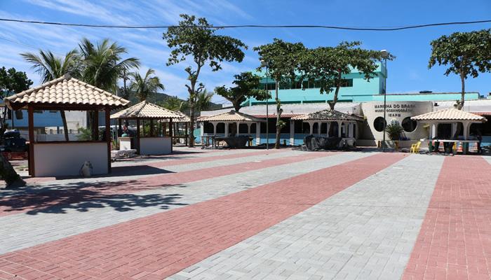 Praia dos Anjos (Arraial do Cabo/RJ): Praça do Cova