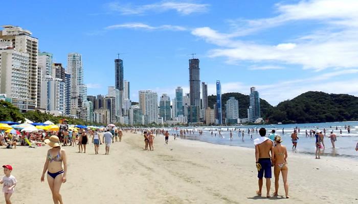Melhores praias de Balneário Camboriú: Praia Brava