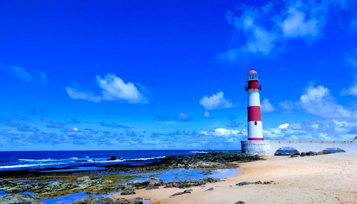 Conheça a Praia de Itapuã, em Salvador/BA