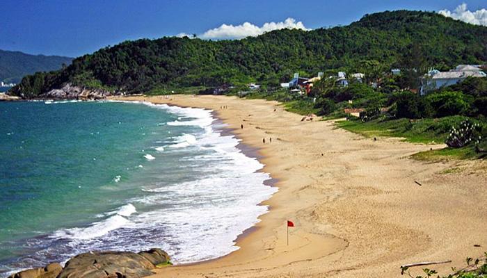 Melhores praias de Balneário Camboriú: Praia do Estaleirinho