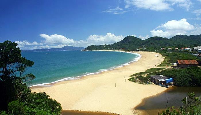 Melhores praias de Balneário Camboriú: Praia do Estaleiro