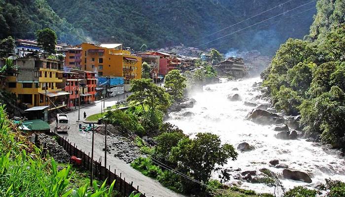 Cidade de Águas Calientes, no Peru