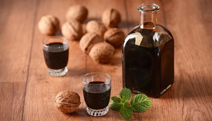 Bebidas Típicas da Itália: Nocino