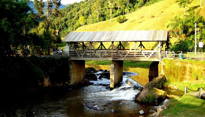 O que fazer em Rio dos Cedros/SC: Ponte sobre o Rio Ada
