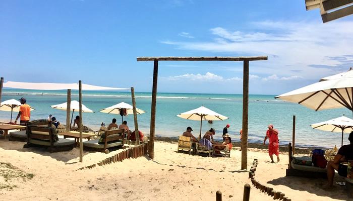 O que fazer em Arraial d'Ajuda/BA: Sunrise Beach Club, na Praia do Parracho