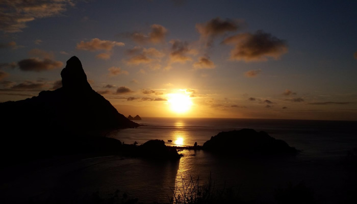O que fazer em Fernando de Noronha: Pôr-do-sol visto do Forte de Nossa Senhora dos Remédios