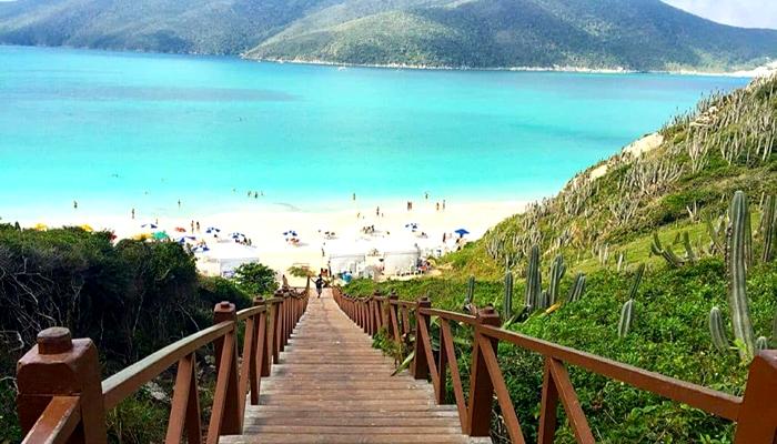 Escadaria da Praia do Pontal do Atalaia