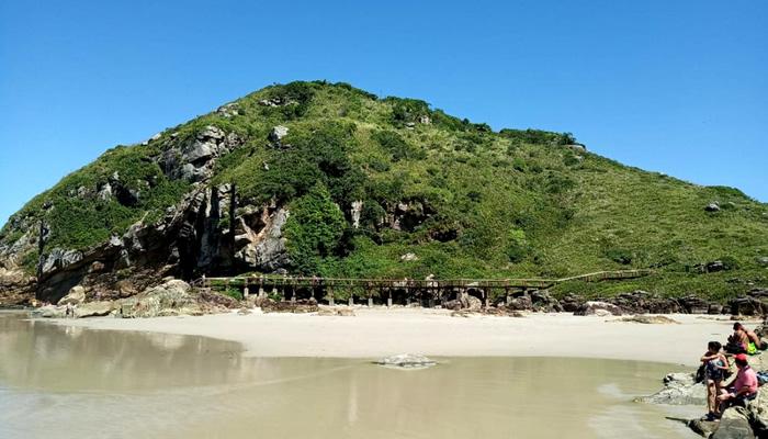 Gruta das Encantadas, na Ilha do Mel