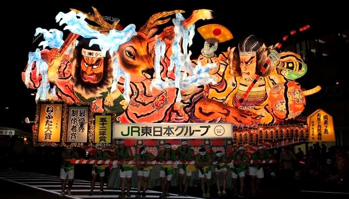 Festival Aomori Nebuta e Festival Hirosaki Neputa