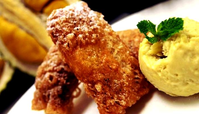 Deep Fried Durian (Durião Frito)