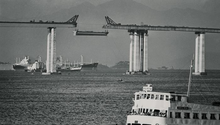 Histórias e Curiosidades da Ponte Rio-Niterói: Içamento de Blocos (construção)