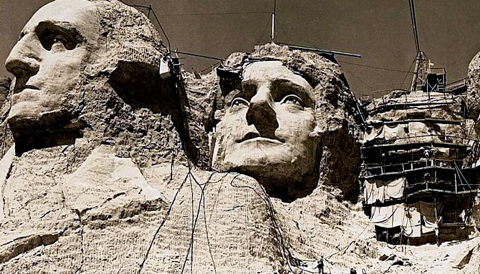 Construção do Monte Rushmore, nos Eua