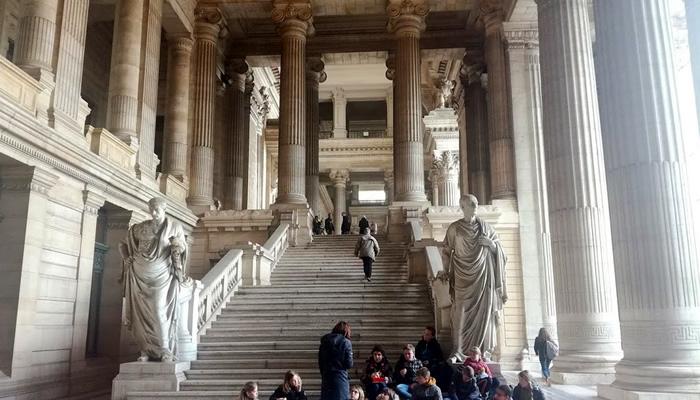 Visite o Palácio da Justiça
