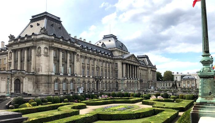 Visite o Palácio Real no verão