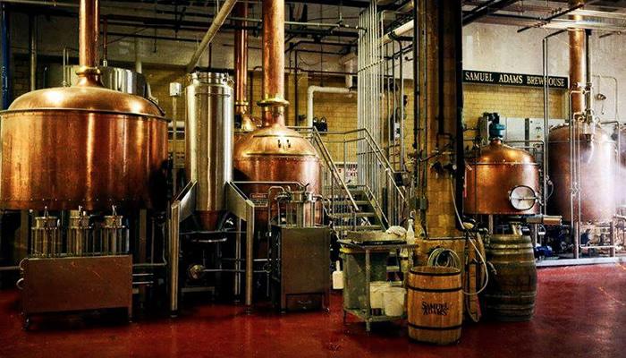 Não deixe de ir a Samuel Adams Brewery Tour