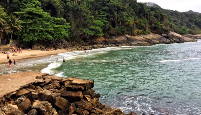 Conheça a Praia do Éden (Guarujá/SP): Paz e Natureza Plena!