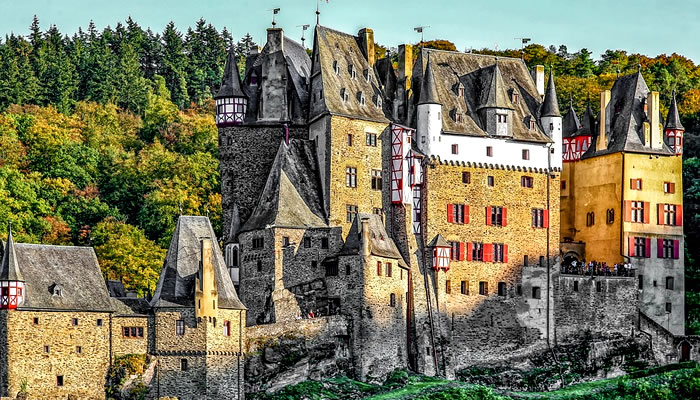 Fachada do Castelo de Eltz, na Alemanha