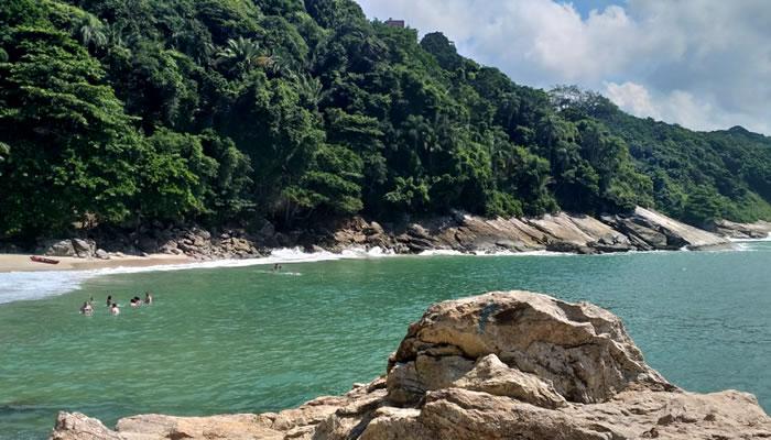 Praia do Éden, no Guarujá/SP: Mar
