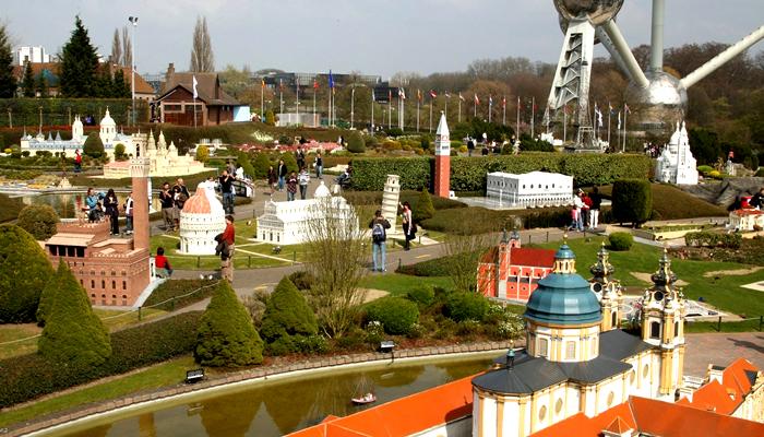 Parque Temático Mini Europe aos pés do Atomium, em Bruxelas