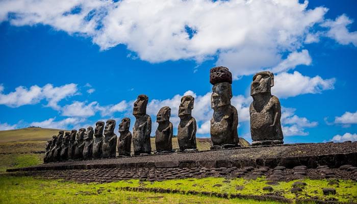 A Incrível Ilha de Páscoa: Fatos Interessantes e Curiosidades!