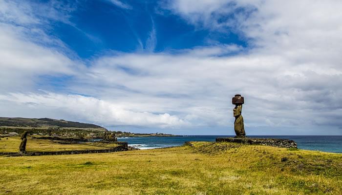 As estátuas Moai da Ilha de Páscoa estão todas orientadas para o interior da ilha