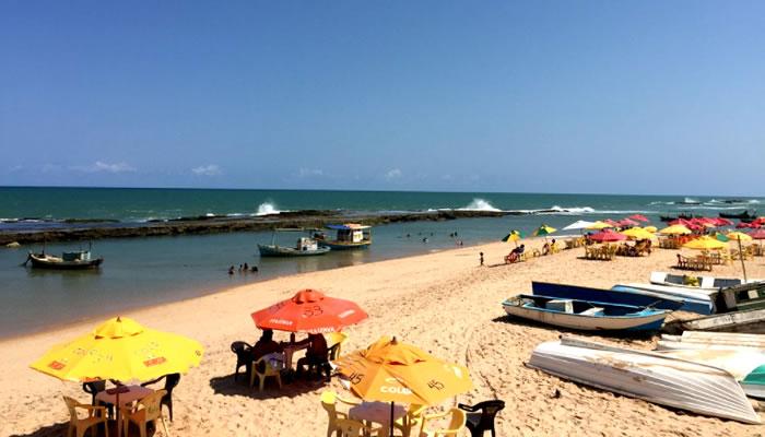 As melhores praias de Camaçari: Praia de Arembepe