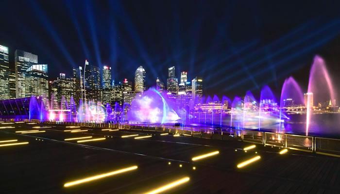 Assistir ao show de luzes na Marina Bay