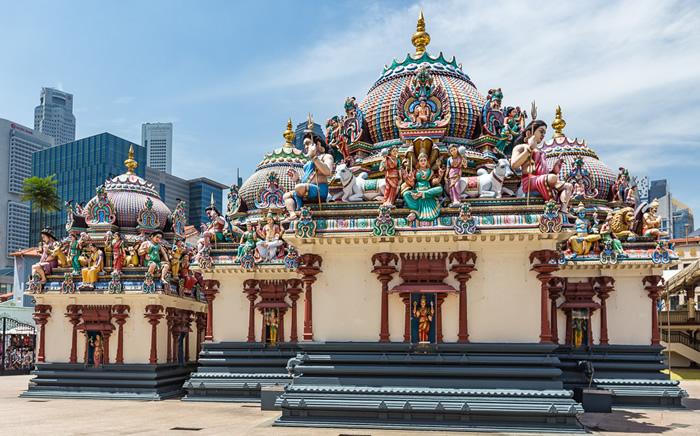 Se maravilhar com os magníficos templos de Singapura