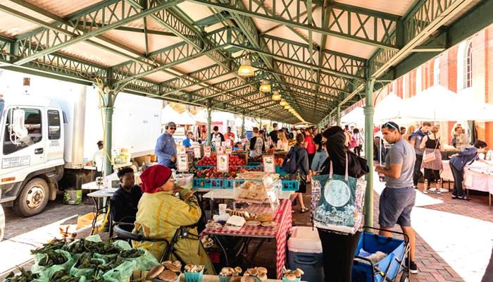 Mercados de Fazendeiros (DC Farmers Markets)