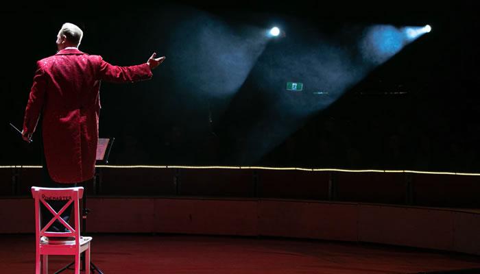 Assista performances culturais online